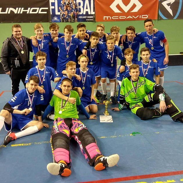Filip Fňukal (horní řada zcela vlevo) dokázal výběr starších žáků Moravskoslezského kraje dovést k turnajovému vítězství.