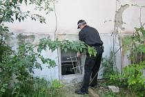 Bruntálští strážníci v posledních dnech pokutovali řidiče, rušitele nočního klidu, rozhodovali sousedský spor a bojovali s vandalismem.