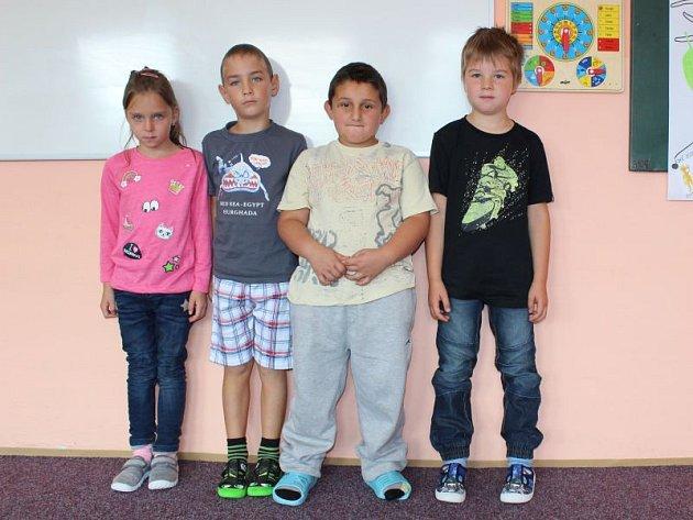 Prvňáčci Základní školy Lomnice