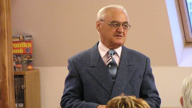 Historik, spisovatel, kronikář, pedagog a spolupracovník Deníku Vladimír Blucha patřil k nejvýznamnějším osobnostem poválečného Krnova.