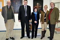 DVA ARCIVÉVODOVÉ, potomci HabsburskoLotrinského panovnického domu, v úterý navštívili zámek v Bruntále, aby se zde seznámili s historií Řádu Německých rytířů.