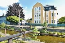Rýmařov se díky čerstvě zrekonstruovanému domku stane novým domovem pro 15 klientů, kteří kdysi žili na zámku v Jindřichově.