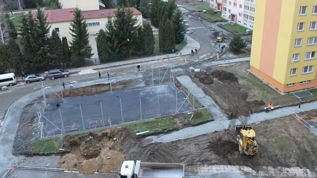 Sídliště Dolní je největší v Bruntále. Aby radnice mohla dokončit jeho generální rekonstrukci, požádala letos opět o dotaci.
