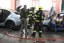 Požár aut v Krnově.