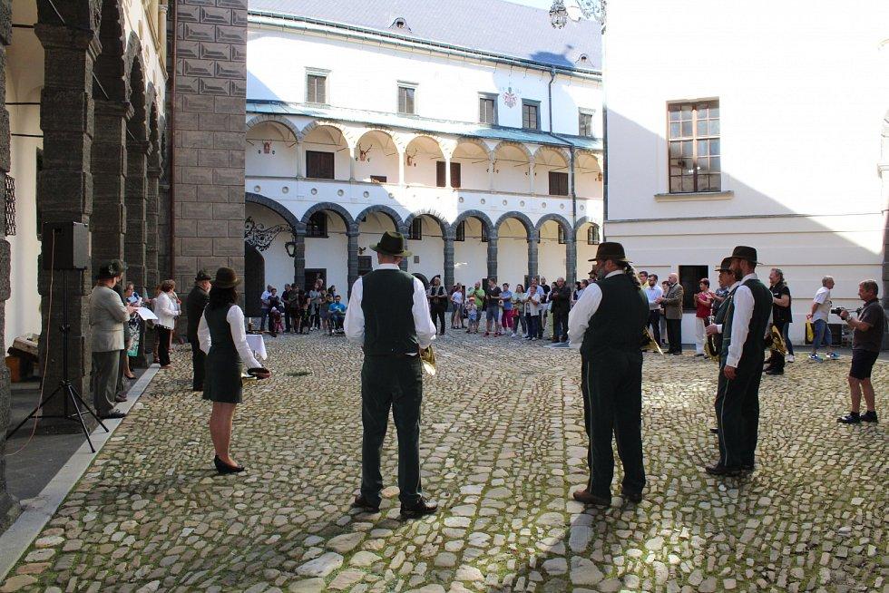 Muzejní noc na zámku v Bruntále byla věnována myslivosti a mysliveckým zvykům a tradicím.