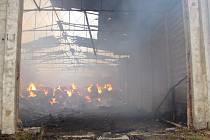 Seníku v obci Hlinka, který v neděli 6. září zachvátil požár, již nedokázal pomoci ani včasný zásah hasičů