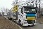 Dva kamiony s humanitární pomocí šťastně dojely z Krnova na východ Ukrajiny. Pomohou lidem v oblasti Doněcka.