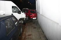 Řidič fiatu si špatně opravil brzdy. Výsledkem byla nehoda tří aut. Naštěstí nebyl nikdo vážně zraněn.