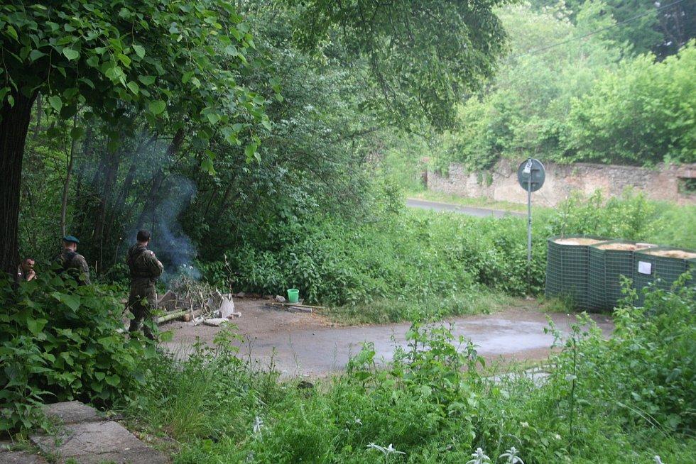 Polská armáda v Pelhřimovech obsadila obecní pozemek, který patří Slezským Rudolticím. Vojáci se samopaly zakázali Čechům návštěvy česká kapličky.