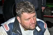Smutek ve tváři Martina Kolomého po odstoupení z nejextrémnější soutěže světa, věhlasné Rallye Dakar.
