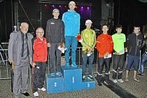 Mezinárodní večerní běh Bruntálem měl velmi dobrou úroveň a setkal se tradičně s velkým zájmem. Na snímku jsou vítězové mužské kategorie.