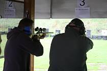 Střílení pod dohledem zkušených instruktorů si v Krnově mohou v sobotu vyzkoušet dospělí bez zbrojního průkazu i děti.