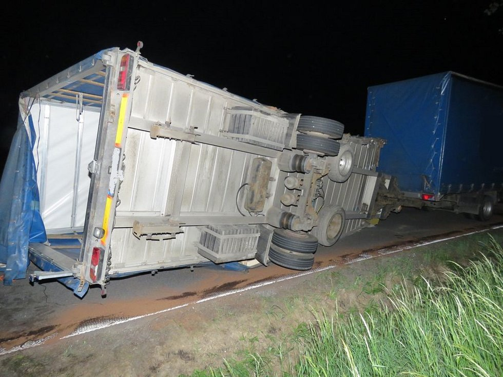 Dopravní nehoda mezi Třemešnou a Vysokou došlo kolem 23. hodiny v pondělí 14. května 2018.