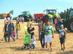 Loňské farmářské slavnosti sklidily obrovský úspěch. Návštěvnost několikanásobně překonala očekávání majitelů zemědělské usedlosti. Letos zde poprvé proběhnout opravdové dožínky.