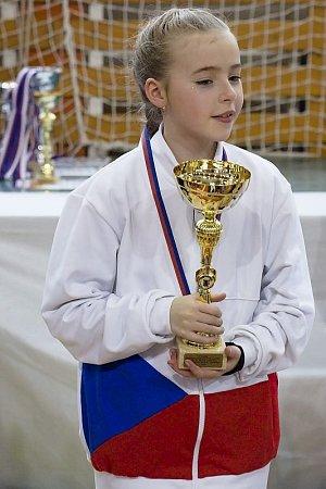 Tanečníci zTaneční školy Stonožka si dobře vedli vmezinárodní soutěži vKunštátě.