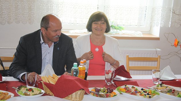 Starostka Salome Sýkorová informovala ministra zemědělství Jiřího Milka, že Zátor požaduje stejné kompenzace na přehradu jako Nové Heřminovy.