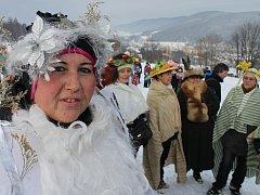 Silvestrovský sjezd na pekáči skvěle pobavil ve Vrbně pod Pradědem.