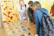 Žáci přiřazovali fotky různých rostlin k popiskům.