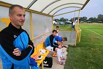 Trenér FK Krnov Gustav Santarius mladší.
