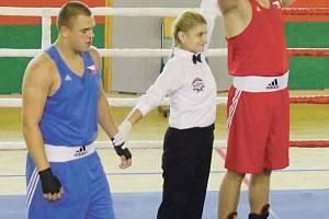 Krásné souboje předváděli v Krnově po dva dny juniorští boxeři Česka, Slovenska, Polska a Německa. V ringu se představila také boxerská rozhodčí Tereza Krejbychová.