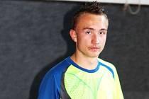 Petr Výmola je ve svých patnácti letech obrovským florbalovým talentem. Je vůbec nejmladším hráčem světlohorského týmu opavské florbalové ligy.