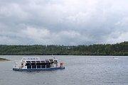 Na Slezské Hartě v červnu zahájí pravidelné plavby první velkokapacitní výletní loď na elektropohon nazvaná Harta.