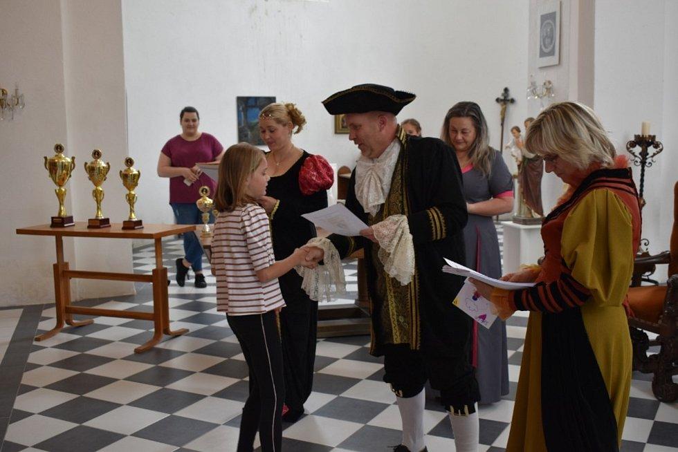 Zámek ve Slezských Rudolticích přivítal mladé chovatele, kteří soutěžili O pohár princezny Sophie.
