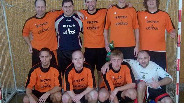 Vítězem Vánočního turnaje v halové kopané mužů o Pohár starosty Města Albrechtice se stalo Bistro u Křížků.