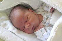 Jmenuji se ŠIMON IŠTOK, narodil jsem se 10. května, při narození jsem vážil 4040 gramů a měřil 51 centimetrů. Moje maminka se jmenuje Andrea Ištoková. Bydlíme v Rýmařově.