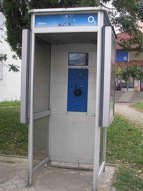 Telefonní budka. Ilustrační foto.