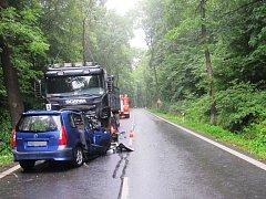 Smrtí jednoho z účastníků skončila nehoda, která se udála v pondělí po páté hodině odpolední na silnici mezi Služovicemi a Hněvošicemi.