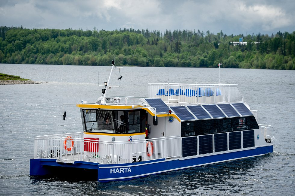 Elektroloď Harta. Představení nové turistické atrakce vodní nádrže Slezská Harta na Bruntálsku, květen 2019 v Leskovci nad Moravicí.