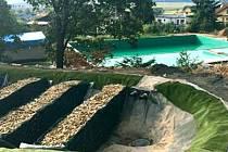 Rekonstrukce koupaliště v Úvalně je v plném proudu, na příští sezonu již bude otevřeno.