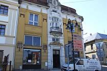 Celkové proměny dozná budova radnice na náměstí Míru v Horním Benešově. Střecha, okna, omítky, sociální zařízení, to vše je třeba obměnit.