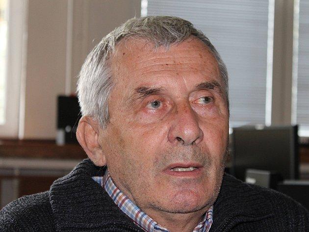 Josef Handl, bývalý pedagog bruntálské Střední průmyslové školy.