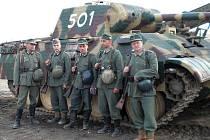 Krnovští milovníci historie Pavel Paul Sluka, Pavel Sluka junior, Mirek Zed Svoboda, Gabin Gažik a Michal Erwin Novák se specializují na druhou světovou válku.