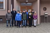 Při vyhlášení výsledků Mezinárodní soutěže mladých chovatelů o pohár princezny Sofie měli ve Vrbně pod Pradědem důvod k radosti. Mladým chovatelům a jejich vedoucím přišel k úspěchu pogratulovat také starosta Petr Kopínec,