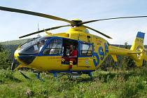 Vrtulník před startem z Ovčárny.