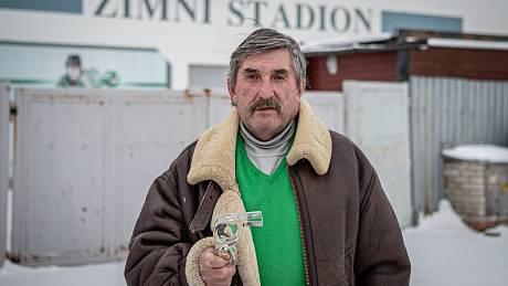 Bývalý mezinárodní hokejový rozhodčí Oldřich Brada, který zvládl dvacet sezon, poskytl Deníku exkluzivní rozhovor, 14. ledna 2021 v Horním Benešově.