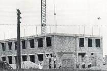 Škola v Třemešné byla postavena v roce 1964. Její příznivci a pamětníci budou na tuto událost vzpomínat v sobotu 18. října nad stránkami školních kronik.