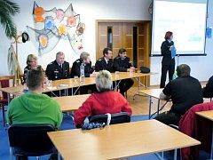 Obyvatele Vrbna pod Pradědem informovali policisté o tom, co vše dělají na území našeho okresu.