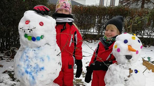 Děti ze Skautského oddílu Krnovská Trojka se umí bavit za každého počasí.