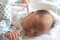 Jmenuji se EMA VLÁČILOVÁ, narodila jsem se 19. srpna, při narození jsem vážila 3080 gramů a měřila 48 centimetrů. Moje maminka se jmenuje Petra Kupčáková a můj tatínek se jmenuje Antonín Vláčil. Bydlíme ve Vraclávku.