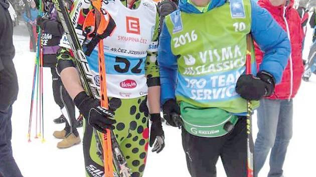 Václav Sedláček (vlevo) se na letošní Jizerské padesátce sešel i s nejlepším českým běžcem ve Světovém poháru Lukášem Bauerem.