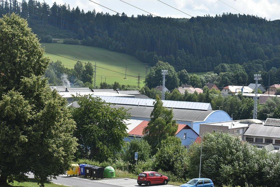 Břidličná, 29. července 2021: Výrobní areál  AL INVESTu Břidličná po nočním požáru v zušlechťovně hliníkových fólií.