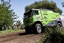 Kamiony Tatra Marka Spáčila z Huzové a Martina Kolomého z Bruntálu mají za sebou úspěšný start v letošním ročníku Rallye Dakar.