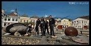 Do Bruntálu zavítala brněnská kapela TORC, aby zde nafotila materiál pro svou novou desku. Sérii fotografií pořídili na náměstí i na městském hřbitově.