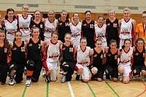 Mladé basketbalistky Slavoje Bruntál dosáhly společně s hráčkami Velkého Meziříčí obrovského úspěchu, když v rakouském Klagenfurtu na mezinárodních sportovních hrách mládeže vybojovaly dvě stříbrné medaile.
