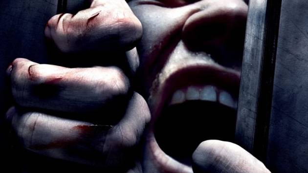 """Film Úniková hra vstupuje do kin s podtitulem """"Umírají touhou si zahrát"""". Zápletka nápadně připomíná aktuální události kolem únikové hry v Polsku. Únikovou hru uvidíme v krnovském kině Mír koncem ledna."""