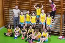 Krnovské volejbalistky hrály doma. V neděli 4. prosince pořádal oddíl TJ Krnov B krajskou soutěž ve volejbalu starších žaček.